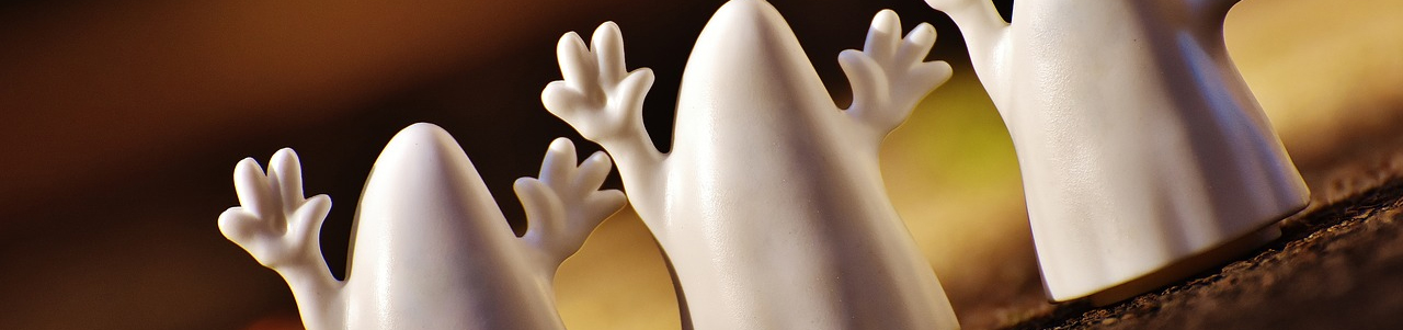 Halloween ghost header image